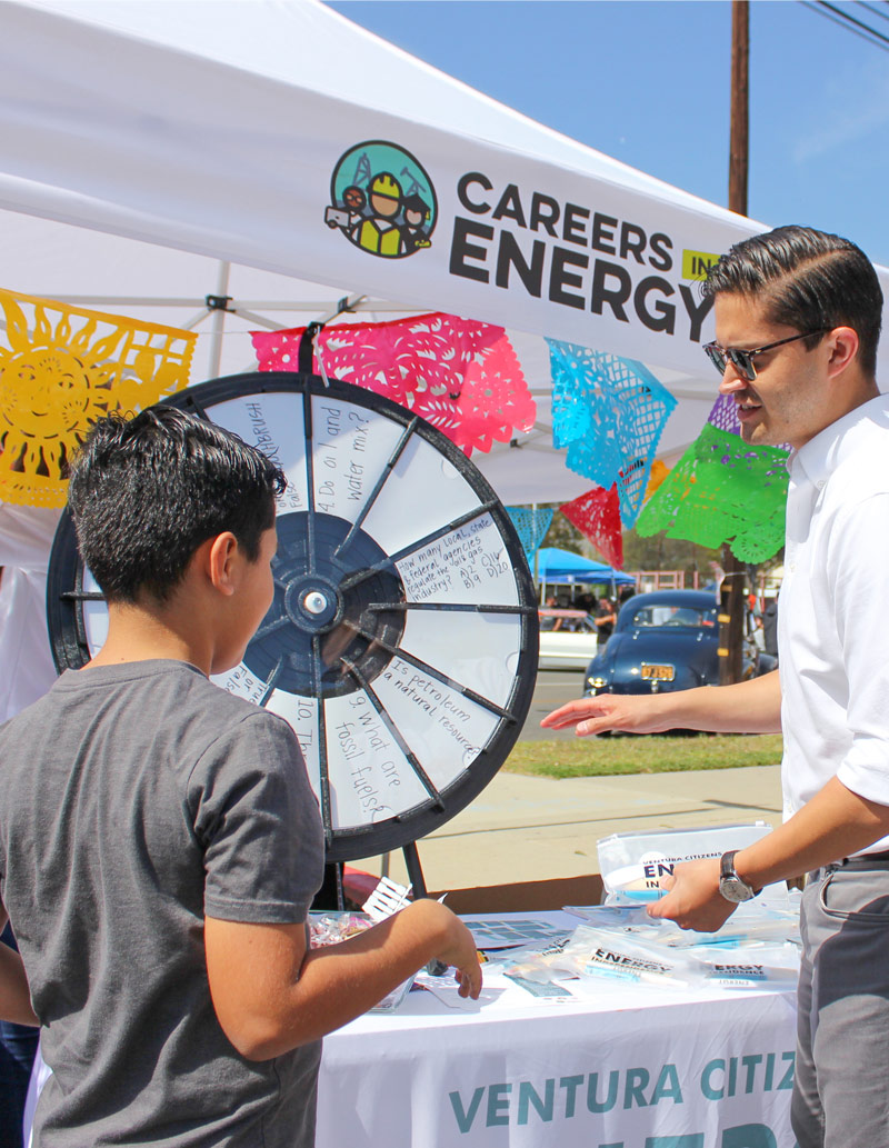 Our CEI volunteer teaches a student about the importance of STEM education and the oil & gas industry in Ventura County.